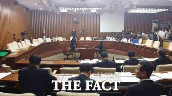 4일부터 열릴 예정이었던 세월호 국조 청문회가 여야 간 증인 선정에 대한 이견으로 무산됐다./ 더팩트 DB