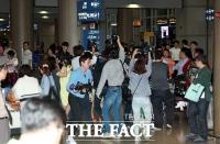 [TF포토] '사기 혐의·이혼소송' 서정희, 공항 마비시킨 취재 열기