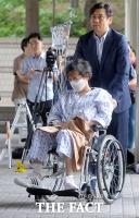 [TF사진관] 병색 짙은 이재현 회장…'실형 선고'에 늘어가는 '주름'