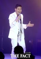 [TF포토] 젝키 강성훈, '다시 밝은 얼굴로 노래할게요~'