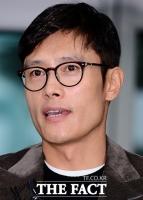 [TF포토] 이병헌, '협박 사건 이후 수척해진 얼굴'
