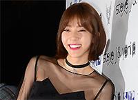 [TF영상] '2015 SFW' 손담비는 어깨 열고, 이효리는 '꽁꽁' 닫고?