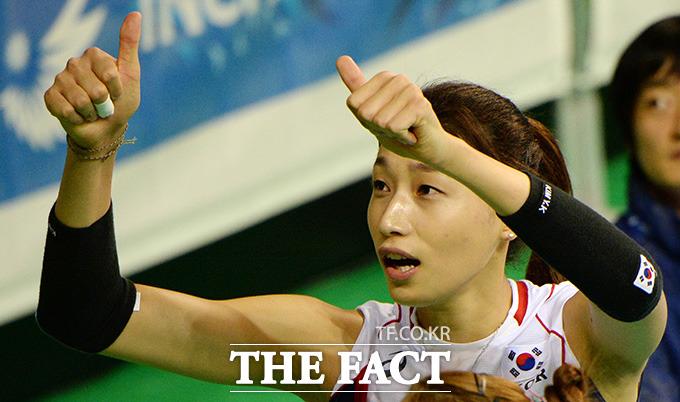 최고의 순간에서 한국 여자 배구가 낳은 스타 플레이어 김연경을 탐구해본다./임영무 기자