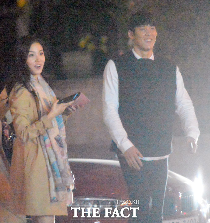 박태환(오른쪽)과 장예원 아나운서는 만남을 거듭할수록 더욱 친근한 분위기를 연출하며 취재진의 눈길을 끌었다. /이새롬 기자
