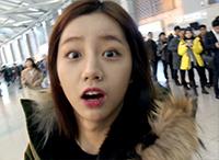 [비하인드30] 'MAMA 출국길' 혜리, '순발력 터진(?) 매너손'