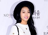 [TF영상] '성민♥김사은 결혼' 도희-보라-현영, '모노톤 돋보이는 하객 패션'