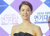 [TF영상] 'KBS 연기대상' 연말 강추위에도 '어깨 드러낸 여배우들'