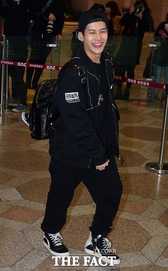 그룹 갓세븐이 제29회 골든디스크 어워즈에 참석하기 위해 14일 오전 김포국제공항에서 베이징으로 출국하고 있다./김포국제공항=김슬기 기자