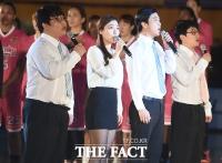 [TF포토] 애국가 부르는 개그콘서트 렛잇 비 팀