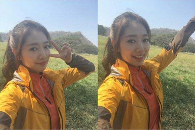 박신혜의 해맑은 미소 박신혜가 태국 광고 촬영장에서 상큼하고 발랄한 매력을 뽐냈다. / 박신혜 인스타그램