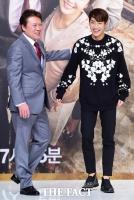 [TF포토] 천호진-이상엽, '다정한 아버지와 아들'