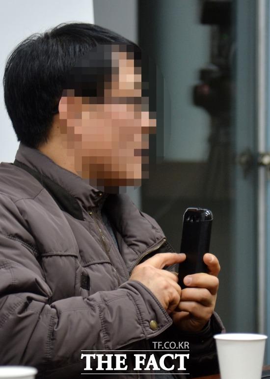 메시지 짜깁기 된 것  김현중의 부친 김 모 씨가 최 씨와 나눈 문자 메시지를 본인이 동의한다면 더팩트에 공개하겠다고 밝혔다. /문병희 기자