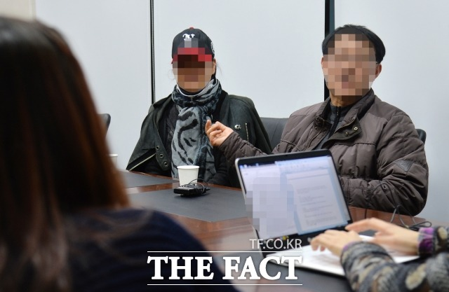 아들은 집에만 있어  김현중의 부모가 더팩트와 인터뷰에서 아들의 과오를 사과하고 있다. /문병희 기자