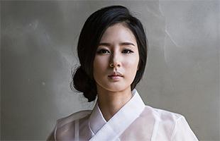 [TF영상] '한복 화보' 박기량, '손아섭 선수 열정에 반해'