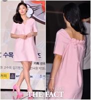 [TF클릭] 김유정, '중학교 졸업 후 뒤태까지 과감해진 성숙 매력'