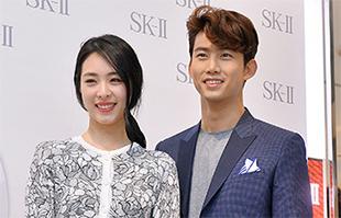 [TF영상] 'SK-Ⅱ' 이연희-옥택연, '서로를 바라보며 발사~'