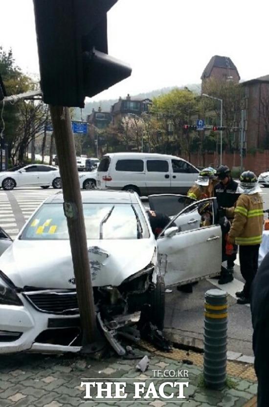이은희 교통사고. 모델 이은희가 분당 근처에서 교통사고를 당해 입원 치료를 받고 있다. / 김경민 기자