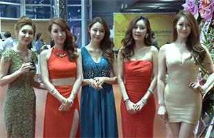 [TF영상] 이현진 이사, 레이싱 퀸들과 '아시아모델어워즈' 함께해