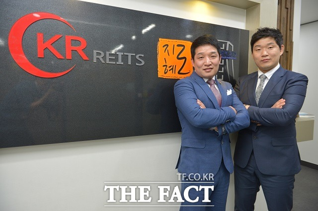 부동산 경매 전문가 송희창(왼쪽), 차원희 씨를 만나 재테크와 꿈에 대한 이야기를 들어본다./조재형 기자