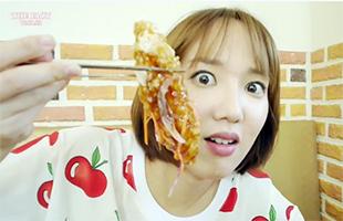 [먹요일 by국가비] 천안에 국가비가 떴다! 그녀의 '첫 경험' 음식은 과연?