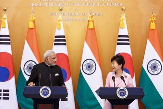 박근혜 대통령이 18일 오후 모디 총리와의 한-인도 정상회담을 통해 양국 관계를 특별 전략적 동반자 관계로 격상시키고 실질협력 증진방안 등에 대해 의견을 나눴다./청와대 페이스북 캡처