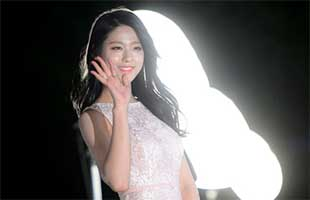 [TF영상] '백상예술대상' 크리스탈-설현, '섹시와 순수미'