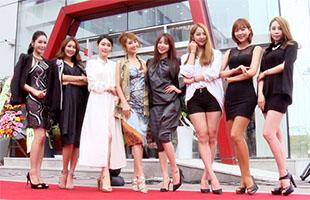 [TF영상] '플렉사코리아' 이현진 분과장, '톱 레이싱모델과 축하 참석'