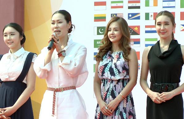 [TF영상] '주한외국대사관의 날' 목은정 디자이너, '한국 전통문화을 세계로!'