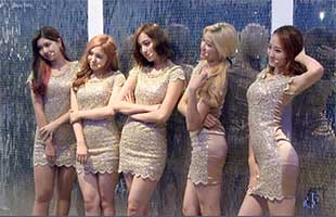 [TF영상] '데뷔 쇼케이스' 걸그룹 ATT, '평균 나이 18세의 몸매가…'