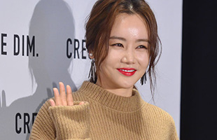 [비하인드30] '서울패션위크' 황우슬혜, 플래시 세례에 '엽기토끼 표정이!'