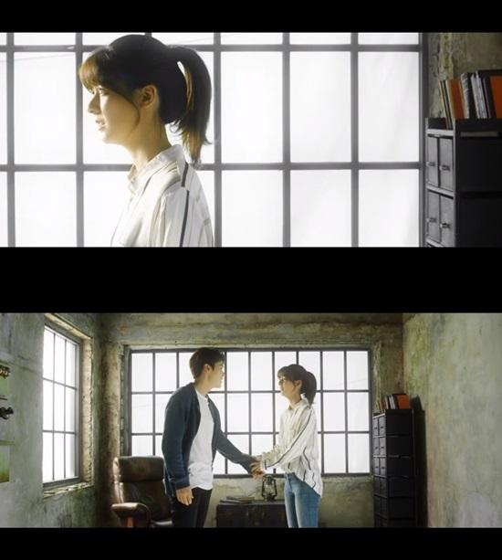 꼭 어제 후지이 미나 출연 장면. XIA준수의 신곡 꼭 어제 뮤직비디오에서 미나는 배우 김강우와 호흡을 맞췄다. /꼭 어제 MV 캡처