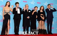 [TF클릭] '복면가왕' 팀, '화기애애한 포토타임'
