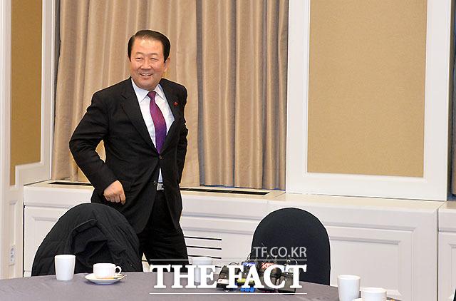 박주선 통합신당 창당준비위원장과 국민의당은 27일 통합에 합의했다고 밝혔다. /문병희 기자