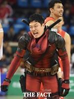 [TF클릭] '데드풀' 변신한 이융성 '아~ 숨막혀'