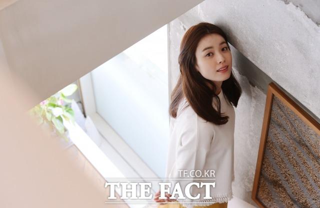 노인분장 때문에 잠도 자지 못했어요. 배우 한효주가 첫 노인분장에 대한 압박감을 털어 놓았다. /이덕인 기자