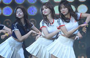 [TF영상] 아이오아이 쇼케이스 '드림걸스(Dream Girls)' 첫 무대