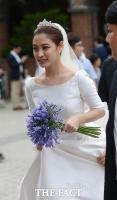 [TF포토] 현충일 결혼 박희본 '아름다운 웨딩드레스 자태'