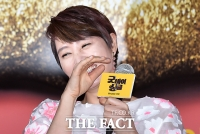 [TF포토] 김혜수, '웃음 터진 톱스타~'