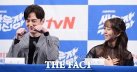 [TF사진관] 권율-김소현-택연, '애교 댄스로 웃음 초토화'