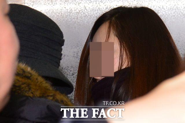 김현중에 소송을 제기한 최씨. 김현중의 전 여자친구 최씨는 16억원 상당의 손해배상 청구 소송을 제기했다. /남윤호 기자