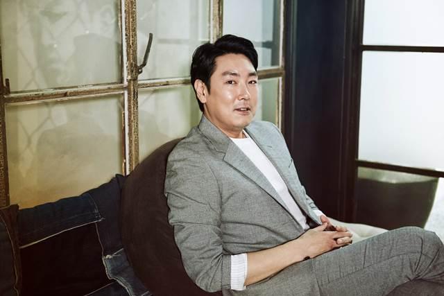 안성기 선배님 같은 배우가 되고 싶어요. 배우 조진웅은 안성기에 대한 고마움과 함께 그와 같은 선배가 되고 싶다고 말했다. /롯데엔터테인먼트 제공