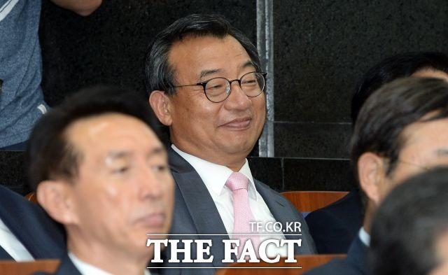 한국기자협회는 18일 성명서에서 KBS는 이정현 녹취록 보도에 침묵하는 KBS와 보도국 간부들을 비판한 정연욱 KBS 기자에 대한 보복 인사를 철회하라고 촉구했다./임영무 기자