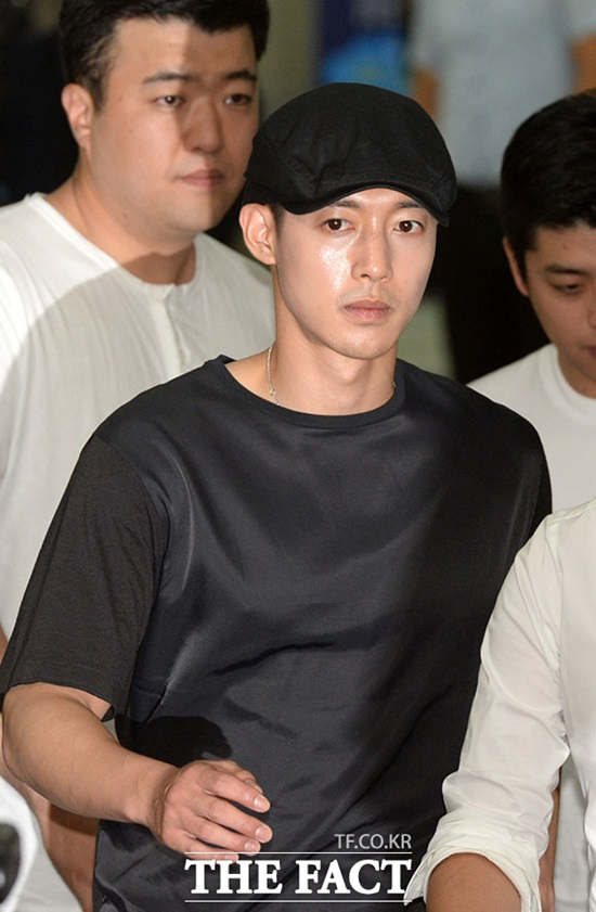 승소한 김현중. 그는 전 여자친구 최 모씨와 소송에서 승소했다. /서초=임세준 인턴기자