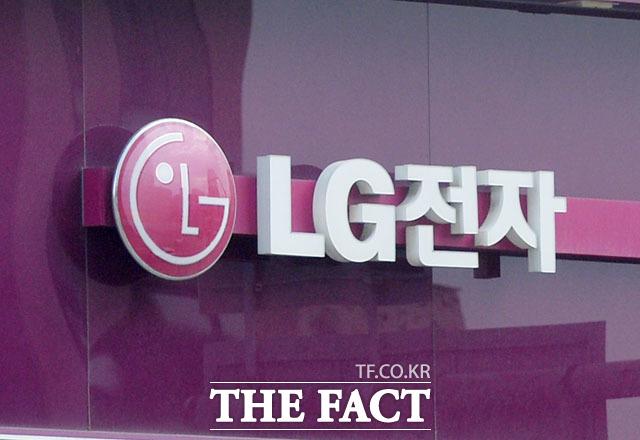 LG전자가 경남 창원시에 있는 LG 휘센 에어컨 생산라인을 오는 8월 중순까지 연장 가동한다고 11일 밝혔다. /더팩트 DB