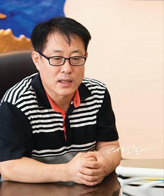 김현중의 아버지. 김현중 아버지는 22일 발행된 여성동아에서 김현중의 심경과 근황, 가족들의 고통을 털어놨다. /여성동아 제공