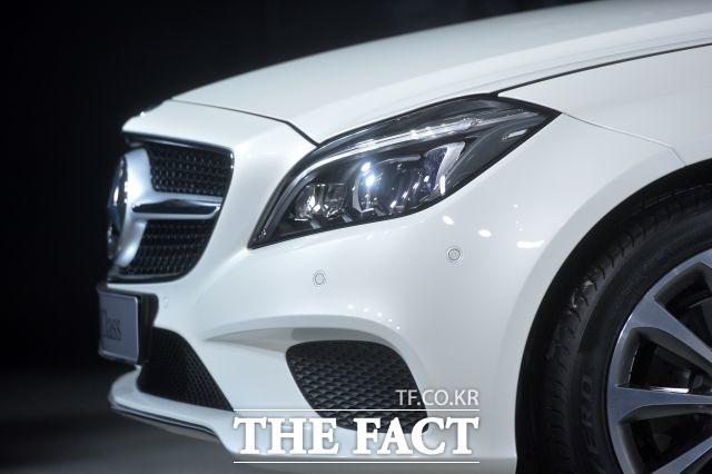 한국수입자동차협회에 따르면 지난 8월 메르세데스-벤츠는 4835대를 팔며 전달 대비 15.6% 성장했다. /더팩트 DB