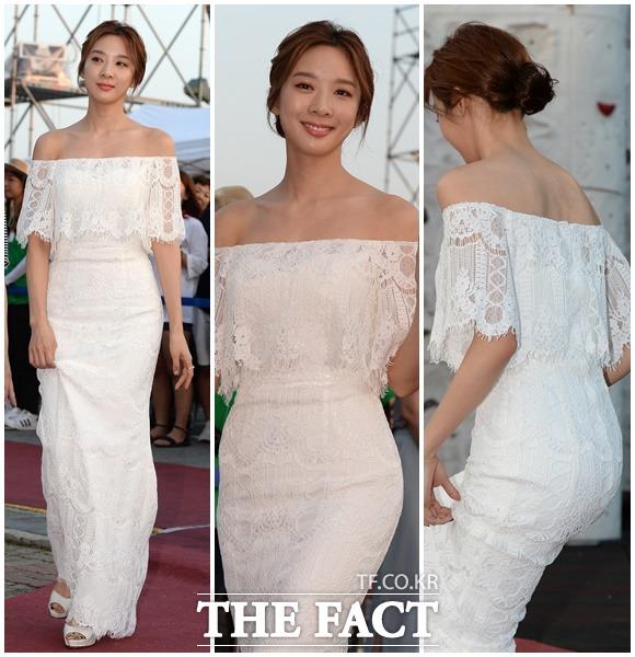 이청아, 오프숄더 레이스 롱드레스로 우아한 여신 변신~ (8월 11일 /제천 국제음악영화제 개막식)
