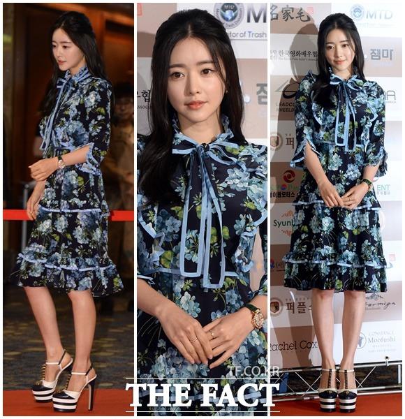 홍수아, 떠오르는 대륙의 여신의 꽃무늬 드레스~ (7월 15일 /한국을 빛낸 스타상 시상식)