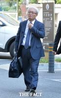 [TF포토] 새로 선임된 임우재 변호인 박상렬 변호사