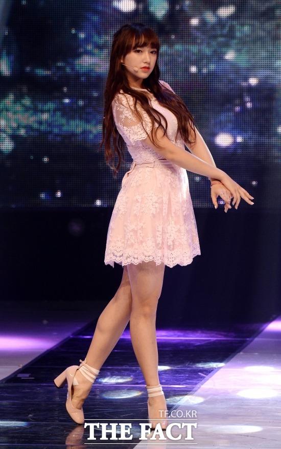 떠오르는 대세 여자 아이돌로 꼽히는 그룹 우주소녀 멤버 성소. 그룹 우주소녀 멤버 성소는 지난달 MBC 예능 프로그램 마이 리틀 텔레비전 출연으로 대중의 주목을 받기 시작했다. /남용희 인턴기자
